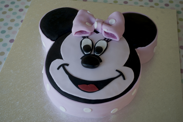 Victoria Sponge Blog Mini Mouse Cake 01