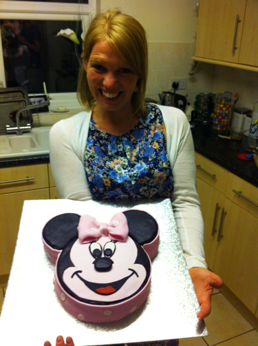 Victoria Sponge Blog Mini Mouse Cake 02