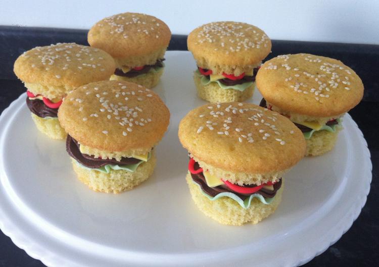 Burger Cupcakes 3 - victoria-sponge BLOG
