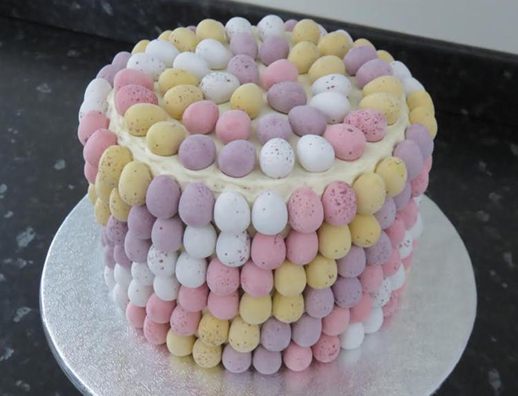 Easter cake 2- victoria-sponge BLOG