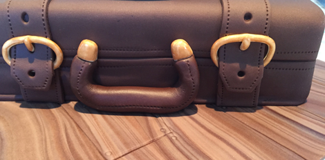 The finished details on the suitcase
